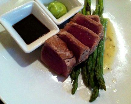 Gordon Biersch Blackened Tuna Salad